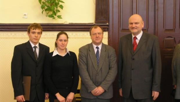 Agata Zwiejska i Mateusz Kierzkowski zostali wyróżnieni przez Prezydenta Miasta Tornia stypendiami sportowymi. Mamy nadzieje, że będzie to dodatkowa mobilizacja w czasie trudnych treningów. GRATULACJE!!!