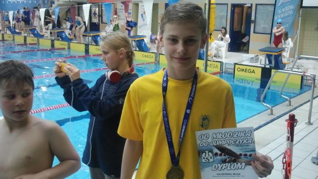 Dwa medale zdobył Michał Kalinowski w Ogólnopolskich Zawodach Pływackich Od Młodzika do Olimpijczyka. Zawody odbyły się 17.05.2014 w Warszawie, startowało 747 zawodników z 56 klubów pływackich. Michał zdobył złoty medal […]