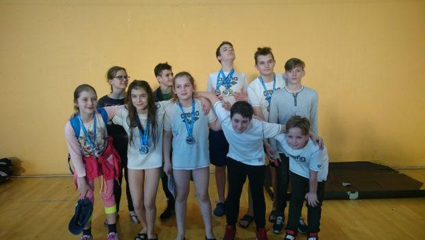 W dniu 14.04.2018 zawodnicy naszego klubu uczestniczyli w zawodach z cyklu Ogólnopolskie Zawody Pływackie W poszukiwaniu talentów, które odbyły się Rypinie. Była to już III edycja tych zawodów, w których […]