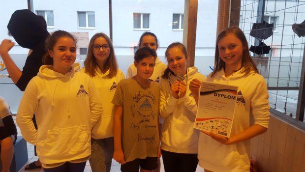 12 maja nasz Klub MTKP Delfin brał udział w zawodach pływackich w Świeciu. Jak zwykle za miejsca 1-3 najlepsi zawodnicy otrzymywali medale, a za miejsca tuż za podium 4-6 zostały […]