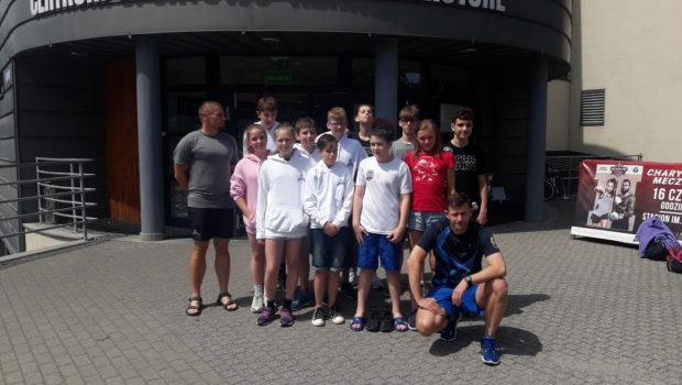W dniach 15-16 czerwca w Gorzowie Wielkopolskim na basenie Słowianka odbyły się Międzywojewódzkie Drużynowe Mistrzostwa Młodzików 13 letnich – runda II . W zawodach wzięła udział 11 osobowa drużyna Delfina […]